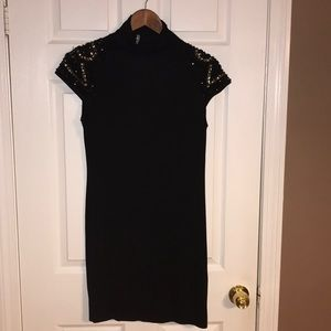 WOMEN'S BLACK DRESS WITH BEADED SLEEVES
